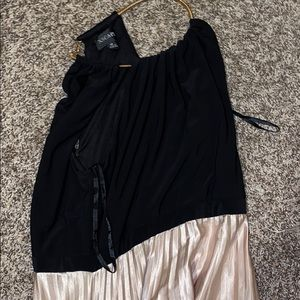 Beautiful gold and black dress for sell !!